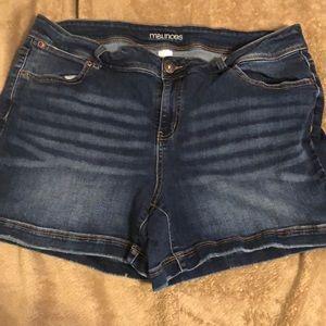Maurice's Jean shorts size 18
